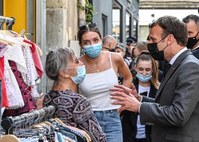 Macron'a tokat atan saldırgana baskın! Evinden çıkanlar tüyler ürpertti