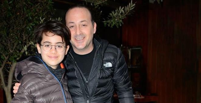 Duygusal paylaşımda fark edildi! Tolga Çevik'in oğlu babasının boyunu aşmış