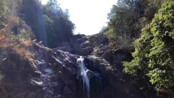 Selfie çekmek için kayalıklara çıkan fenomen uçurumdan düşerek öldü