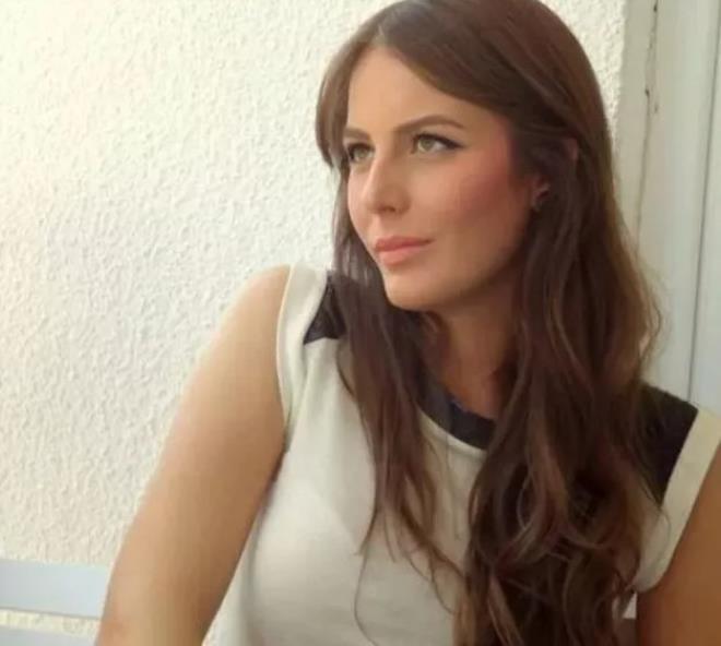 Kalça dansı sonrası işinden olan Hande Sarıoğlu estetiklerini itiraf etti! Bakın eski hali nasılmış