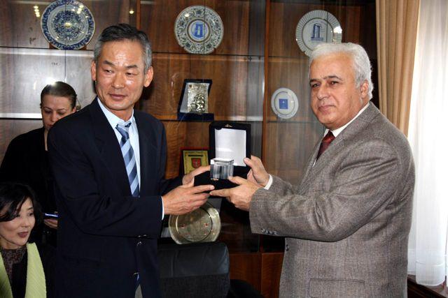 Güney Kore Başkonsolosu Seong-Taek Çanakkaleye sanayi ve turizm alanında yatırım yapmak istediklerini söyledi