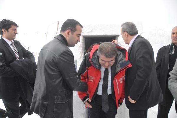 İçişleri Bakanı Şahin, Tatbikatı Pencereden İzledi