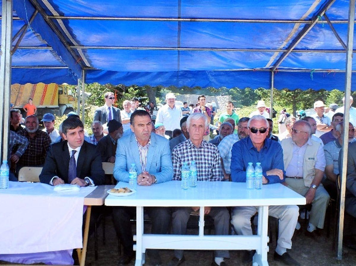 AK Parti Milletvekili Ali Turan, Koyulhisar'da Duman Baba Etkinliğine Katıldı