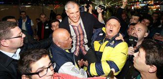 Ivan Obradovic: Fenerbahçe Ülker İstanbul'a Geldi, Obradovic Omuzlara Alındı