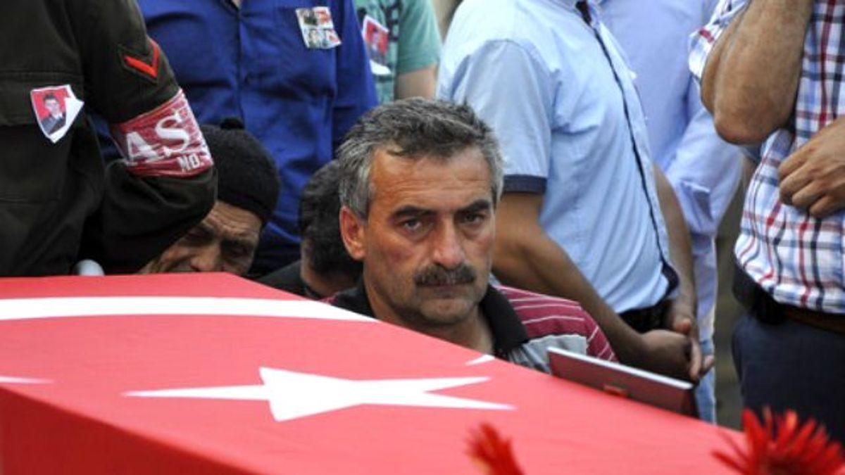Şehit Jandarma Teğmen Turan, Gözyaşları Arasında Toprağa Verildi