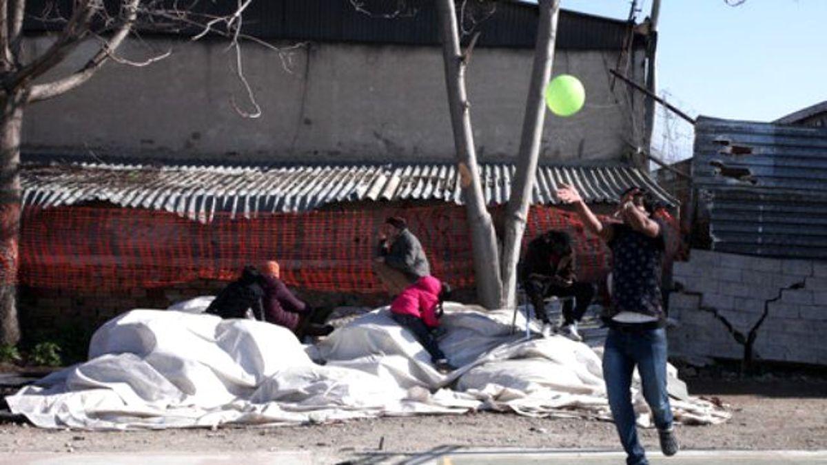 Galatasaray' Formalı Mülteciler, Ioc Başkanı Bach ile Futbol Oynadı