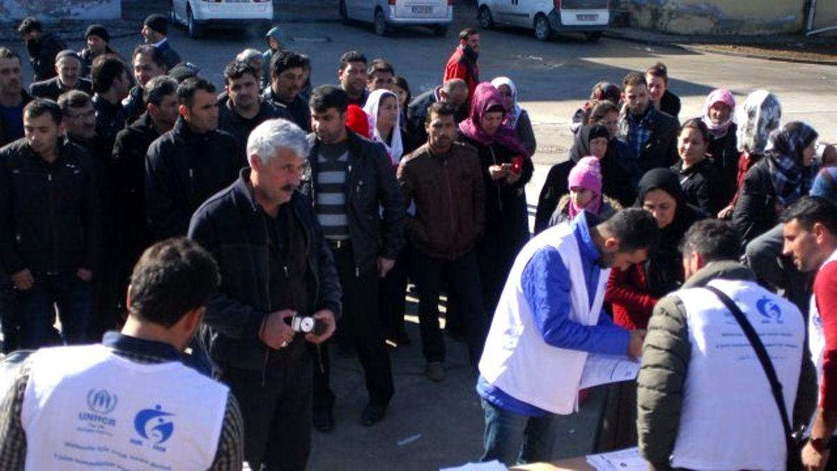 BM, Batmanda Kalan Suriyeli Sığınmacılara Yardım Yaptı
