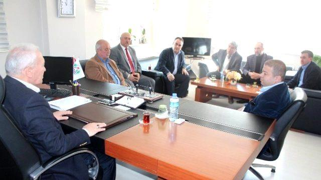 Komisyon Üyeleri Belediyeyi Ziyaret Etti