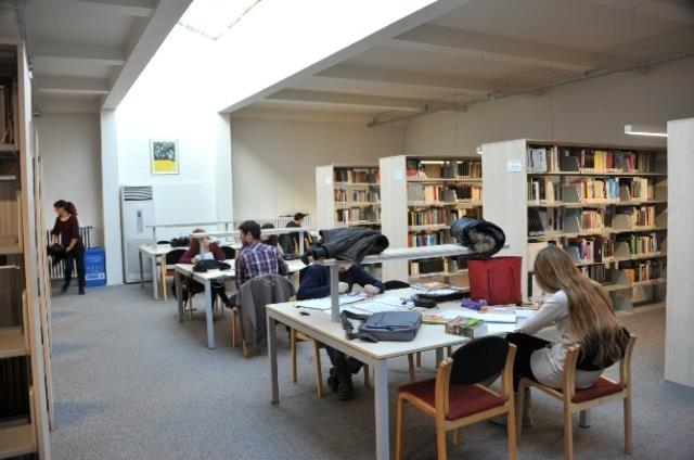 Durmuş Günay Kütüphanesi'ne Elli Bin Yeni Kitap
