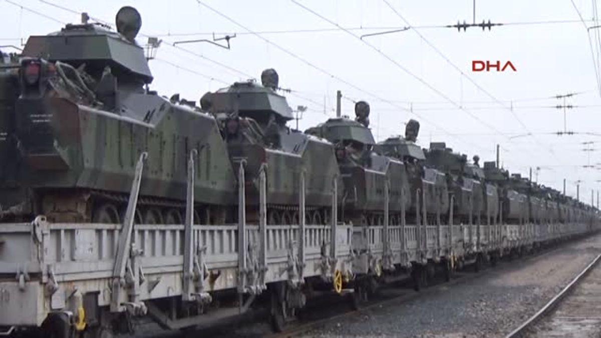 Sınıra Zırhlı Askeri Araç Sevkiyatı