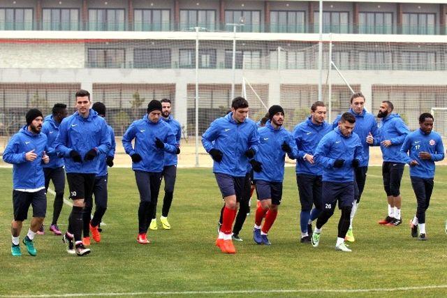 Antalyaspor Eto'o'suz Çalıştı