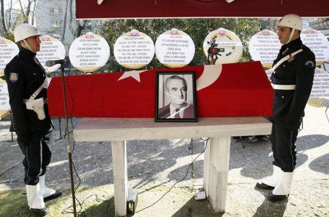 Eski Dışişleri Bakanı Halefoğlu, Son Yolculuğuna Uğurlandı