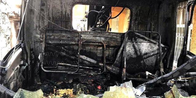 Diyarbakır PKK'lılar Arızayı Giden Dedaş Aracını Yaktı