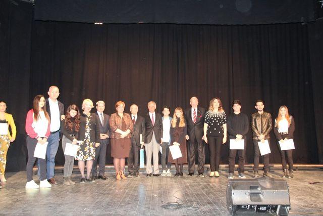 Genç Ressamlar Eserleriyle İzmir'i Anlattı