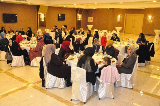 Bakan Işık, Gebze'de Stk'ların Kadın Üyeleriyle Bir Araya Geldi