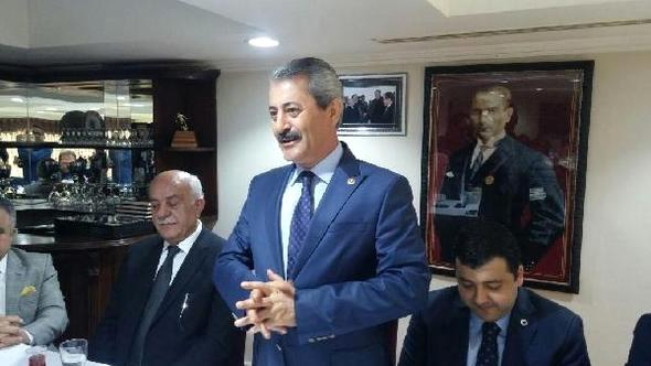 AK Parti'li Karasayar'dan Referandum Toplantısı