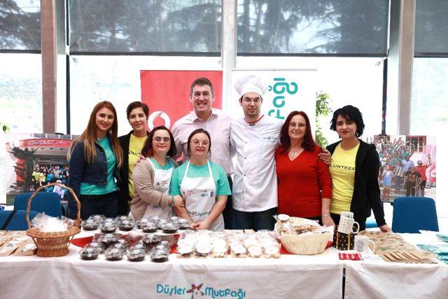 Vodafone, Dünya Down Sendromu Gününde Düşler Mutfağı'nı Ağırladı