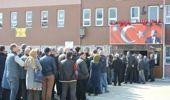 Bulgaristan'da Seçim Başladı, Türkiye'de Kuyruklar Oluştu!