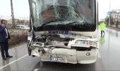 İşçi Taşıyan Otobüs Tıra Çarptı: 8 Yaralı