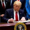 Trump, Obama'nın Yasaklarını Kaldırmak İçin Kararname Çıkardı