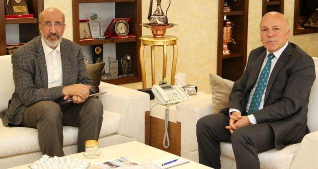 Gazeteci-yazar Dilipak'tan Başkan Sekmen'e Ziyaret