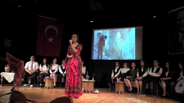 Nazilli'de Öğrencilerden Şiir ve Müzik Dinletisi