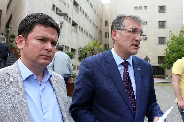 CHP'li Milletvekilleri Atatürk'e Hakaret Edenler İçin Suç Duyurusu Yaptı