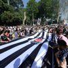 Beşiktaşlı Taraftarlar Çarşı'da Şampiyonluğu Kutluyor
