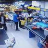 Silahlı Gaspçı Önce Kameralara Ardından Polise Yakalandı