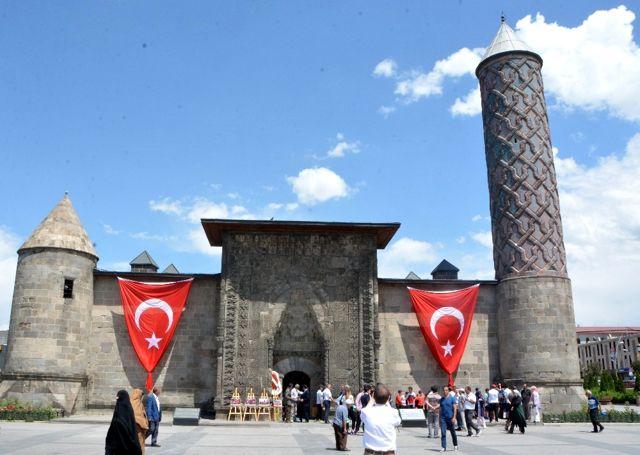 AK Parti Erzurum Milletvekili İbrahim Aydemir: 'İha, Vatanseverlikte Zirve Yapmış Bir Kuruluş'