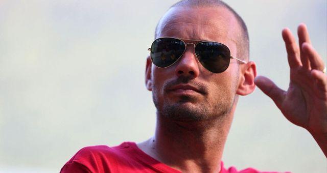 Galatasaray'dan Ayrılan Sabri, Sneijder'i Uğurladı
