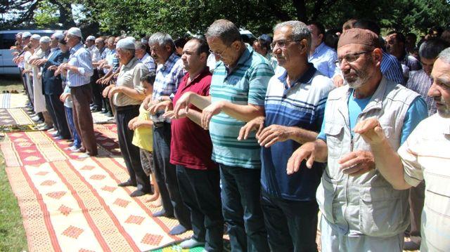 Bursa'da 600 Yıldır Bir Araya Gelen Köylüler, Topluca Yağmur Duasına Çıkıyor