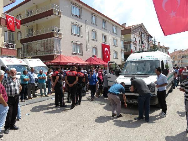 Şehit Astsubay Yılmaz'ın Cenazesi Ankara'ya Getirildi (2) - Yeniden