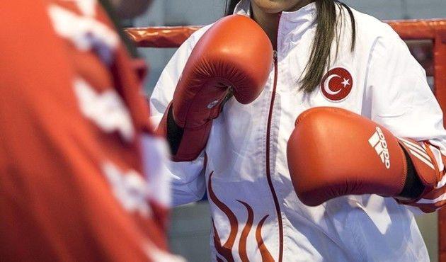 Kadın Boksörlerden Türkiye'ye 3 Altın Madalya