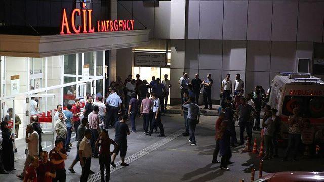 Emniyetin İçinde Polise Bıçaklı Saldırı Deaş'lı Öldürülürken Polis Memuru Hastanede Şehit Oldu (3)
