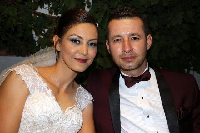 Evliliklerinin 15. Yılını Düğün Yaparak Kutladılar!