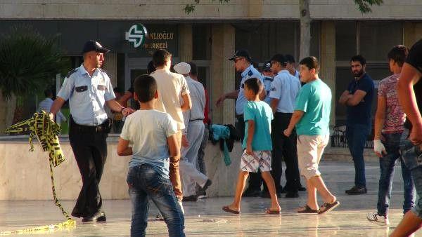Kilis'te Meydana Bırakılan Çanta Paniğe Yol Açtı