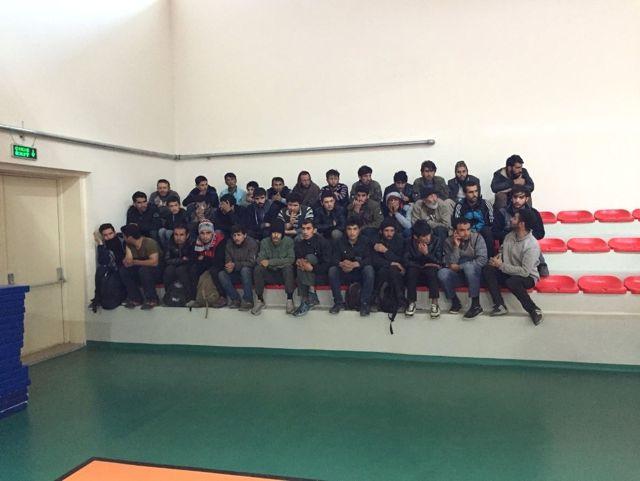 Ağrı'da 561 Kaçak Göçmen Yakalandı