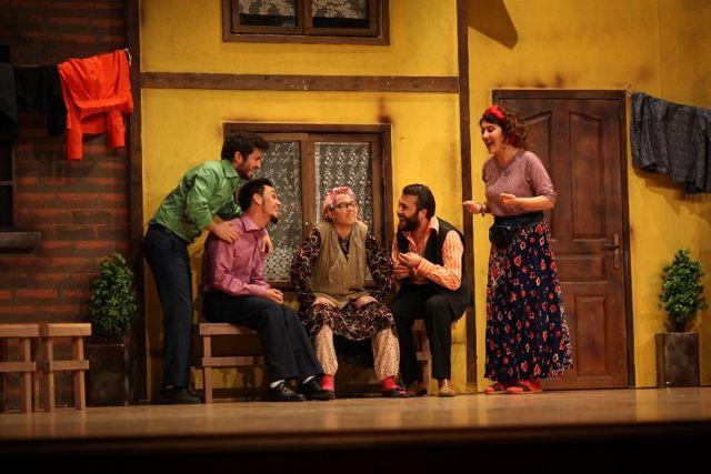 Sui Generiz Tiyatro Grubu Bozüyük'te Sahne Alacak