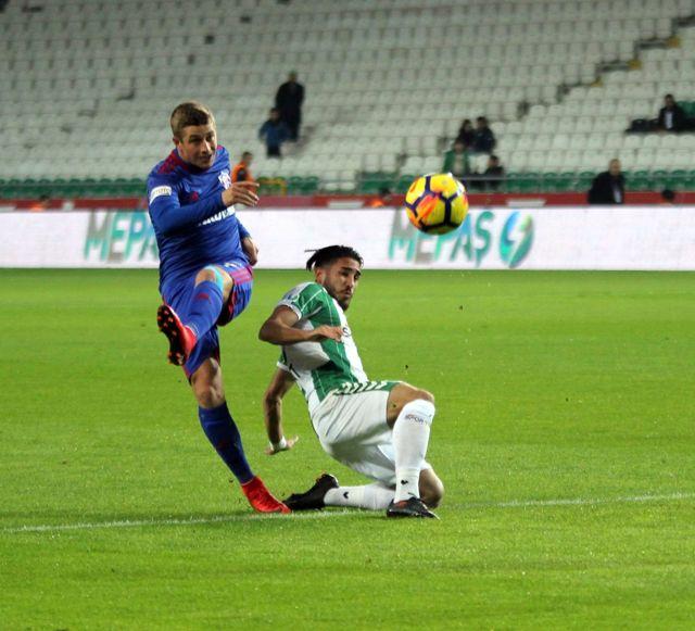 Atiker Konyaspor İlk Yarıyı Önde Kapattı