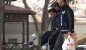Güvenlik Görevlisi Kadının Yüzüne Kimyasal Döken Şahıs Kamerada.