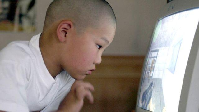 Görünmeyen Elektronik Salgın, Çocuklarda Körlük Tehlikesi Yaratıyor
