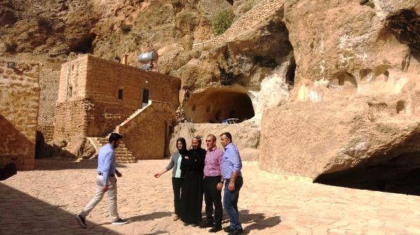 Güneydoğu'nun Sümela Manastırı Olarak Bilinen Mor Evgin Manastırı Keşfedilmeyi Bekliyor ile ilgili görsel sonucu