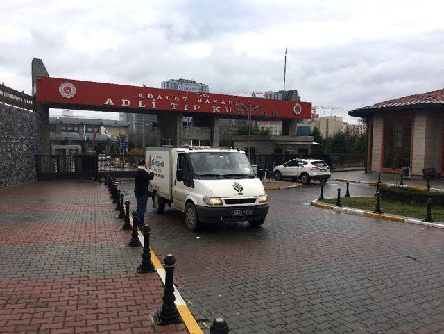 Beşiktaş'ta Balkondan Düşen Genç Kızın Cenazesi Adli Tıp Kurumundan Alındı