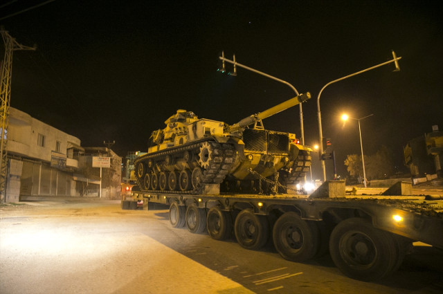 tanklar-oncupinar-sinir-kapisindan-gecip-suriye-10477133_4052_m.jpg