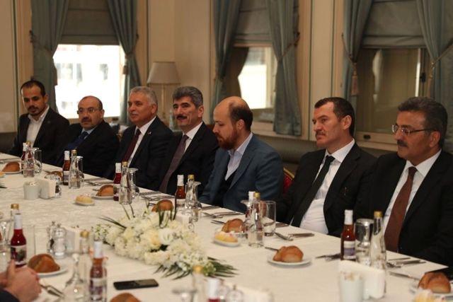 Vali Ustaoğlu, Okçular Vakfının Toplantısına Katıldı
