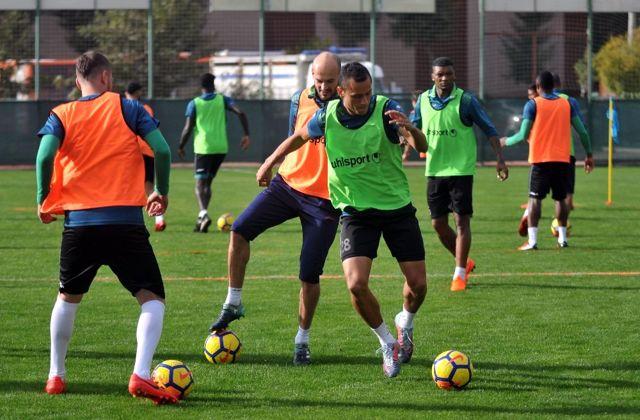 Alanyaspor'da Fenerbahçe Maçı Hazırlıkları Sürüyor