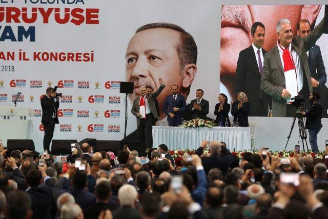 Başbakan Yıldırım: 'Bu Hareketin İçine Nifak Sokmaya Çalışanlar Türkiye'ye Zarar Veriyor'