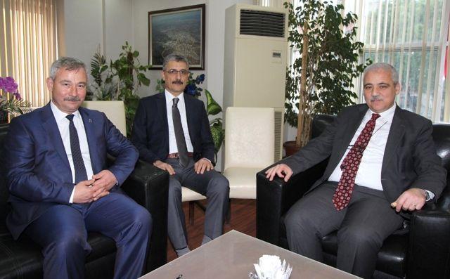 Vali Güvençer Saruhanlı'yı, Başkan Yaralı'dan Dinledi