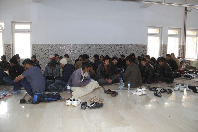 Donma Tehlikesi Yaşayan Kaçakları Mehmetçik Kurtardı